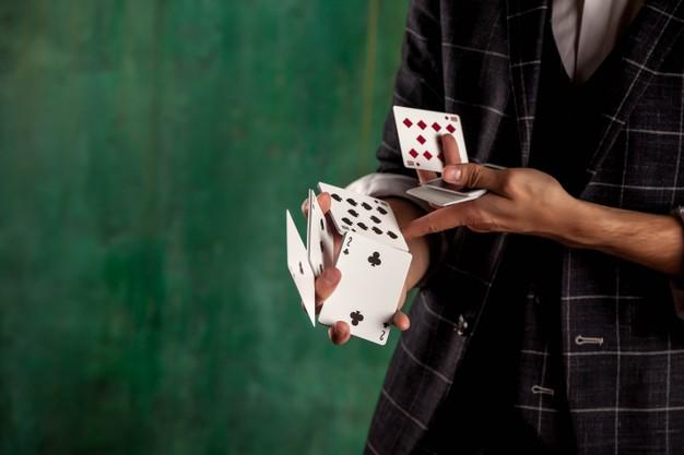 เล่นคาสิโนออนไลน์แบบถูกกฏหมายผ่านมือถือ ฝากถอนผ่านวอเลทไม่มีขั้นต่ำ ฟรีเครดิต